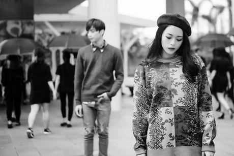 'Phia sau mot co gai' nha hang nhung hinh anh dau tien trong MV - Anh 2
