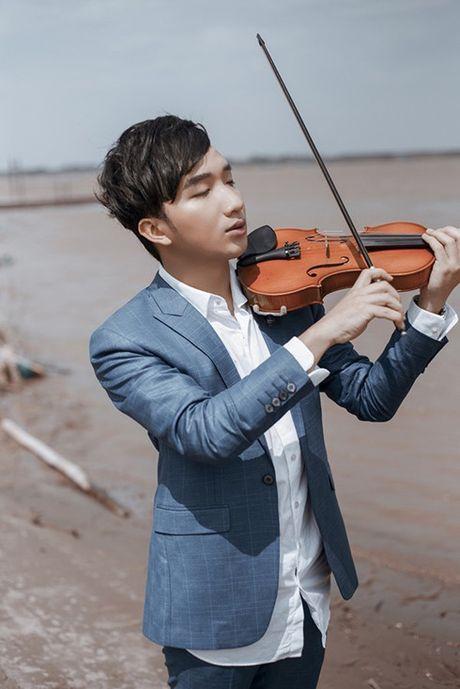 Diva Ha Tran ve Viet Nam de 'hen ho' voi nghe si violin Hoang Rob? - Anh 1