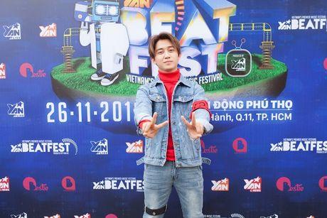 Truong Quoc Bao- chang VJ, ca sy dien trai don tim khan gia - Anh 10