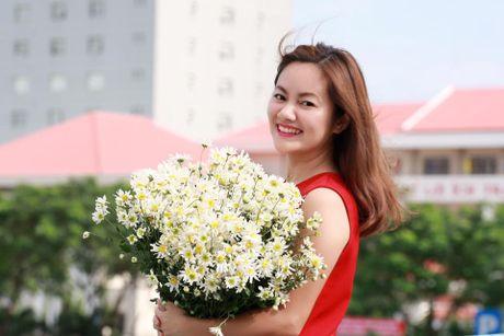Xon xang ngam cuc hoa mi giua nang phuong Nam - Anh 1