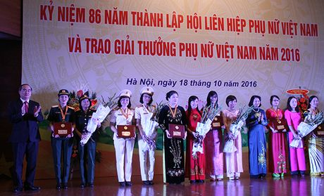 Phu nu Bo Cong an gop phan thuc hien thang loi trong thoi ky moi - Anh 2