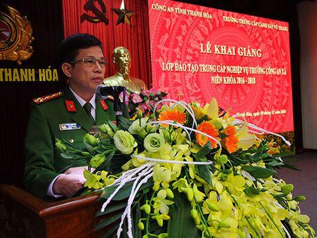 Khai giang lop dao tao Trung cap nghiep vu Truong Cong an xa - Anh 1