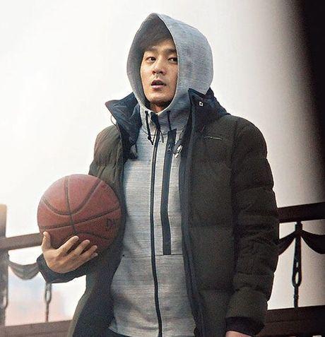 Giat minh boi do dep trai, giau co cua chong 'nguoi ca' Jun Ji Hyun - Anh 2