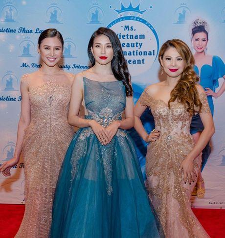 Thanh Thao lam giam khao cuoc thi hoa hau tai My - Anh 7