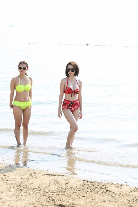 Angela Phuong Trinh khoe dang voi bikini o dao Tuan Chau - Anh 1