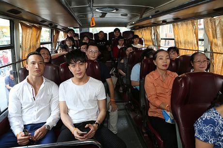 Kim Ly, Hoang Bach hanh dong 'Vi nhung nguoi phu nu quanh ta' - Anh 2