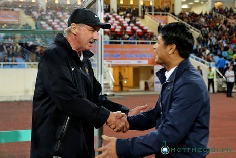 AFF Cup 2016: HLV Alfred Riedl gui thong diep thach thuc tuyen Viet Nam - Anh 4