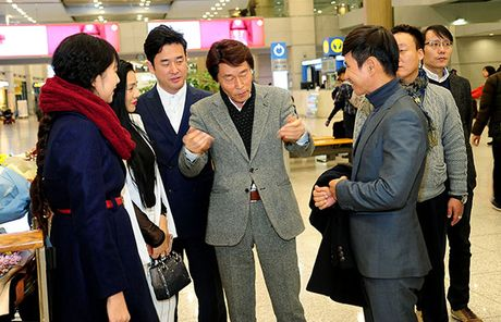 Ly Hai lai sang tham du le trao giai 'Korea Culture & Global Entertainment' - Anh 4