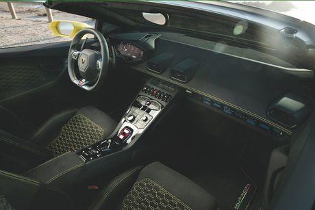 Lamborghini Huracan LP580-2 Spyder chot gia tu 26 ty khi ve Viet Nam - Anh 4