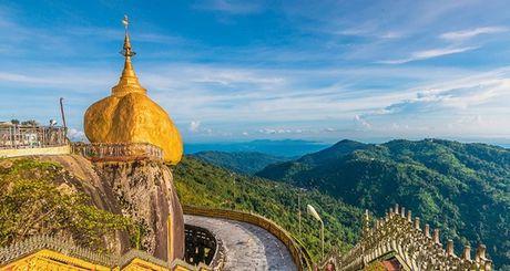 Den Myanmar xem AFF Cup dung quen tham nhung ngoi chua tuyet dep o day - Anh 2