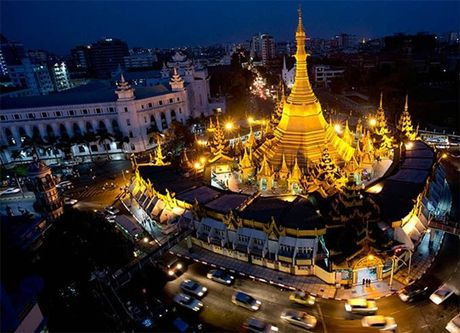 Den Myanmar xem AFF Cup dung quen tham nhung ngoi chua tuyet dep o day - Anh 4