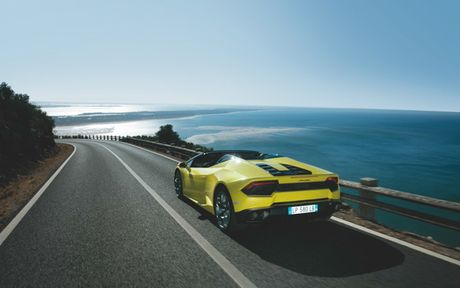 Sieu xe Lamborghini Huracan LP 580-2 Spyder gia tu 26 ty dong neu ve Viet Nam - Anh 3
