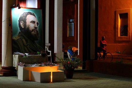 Cuba: Nguoi dan dung chat quang truong tuong niem Lanh tu Fidel - Anh 4