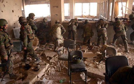 Tran Stalingrad Syria: Dong Aleppo duoc hoan toan giai phong khoi khung bo - Anh 1