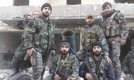 Quan doi Syria phao kich ac liet phien quan o ngoai vi Damascus - Anh 1