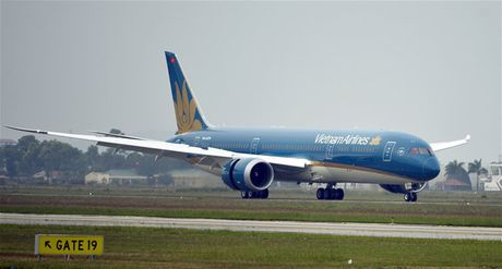 Vietnam Airlines de xuat tang von, mua them 18 may bay - Anh 1
