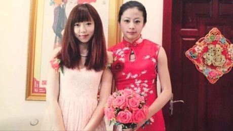 Trung Quoc: Co gai ket hon gia voi chong de cuoi ban gai - Anh 2