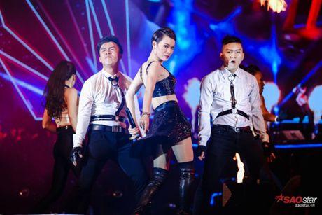 Thu Minh gay bat ngo khi 'dot chay' san khau bang loat hit Ha Ho, Toc Tien - Anh 13