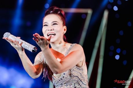 Thu Minh gay bat ngo khi 'dot chay' san khau bang loat hit Ha Ho, Toc Tien - Anh 6