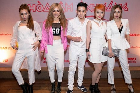 Dan sao 'khung' hao hung ra mat The Remix New Generation 2017 - Anh 11