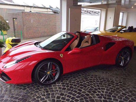 Ro tin don 'sieu ngua' Ferrari 488 Spider chuan bi cap ben Viet Nam - Anh 1