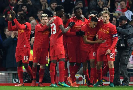 Liverpool vao ban ket League Cup voi 2 ky luc - Anh 1