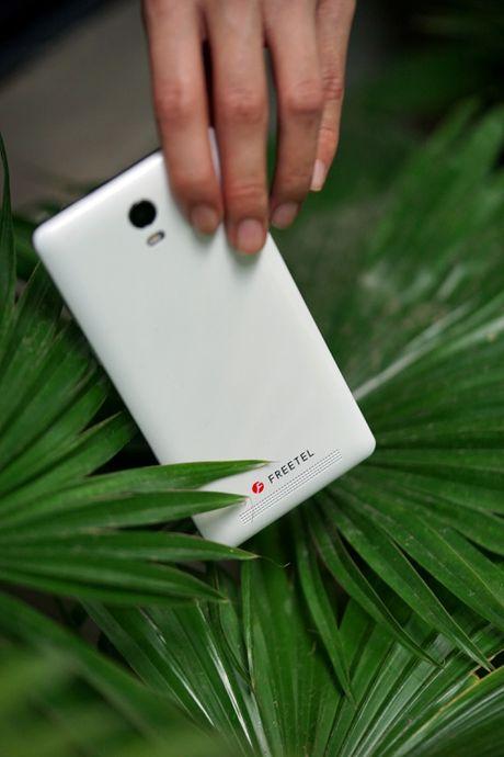 Priori 3S: Smartphone Nhat Ban pin 4.000 mAh, ket noi 4G - Anh 2
