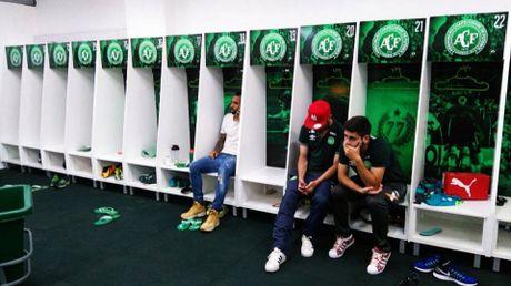 Neymar, Rooney dau buon tuong niem nan nhan may bay roi - Anh 3