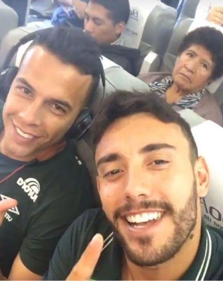 'Tu suong' tren may bay cua cac cau thu Brazil: Loi chao dinh menh? - Anh 3