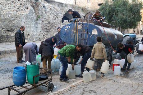 Hinh anh doi khat, thieu thon va tuyet vong o vung chien su Aleppo - Anh 8