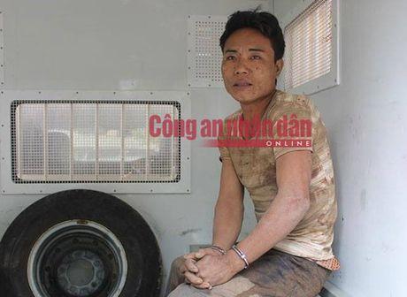 Ha Giang: Doi tuong nghi tam than sat hai 4 nguoi than - Anh 2