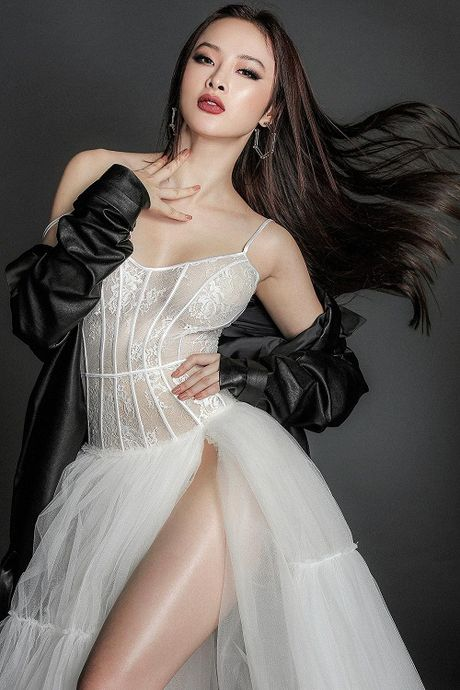 Angela Phuong Trinh thua nhan toan co duyen voi 'tinh gia' - Anh 1
