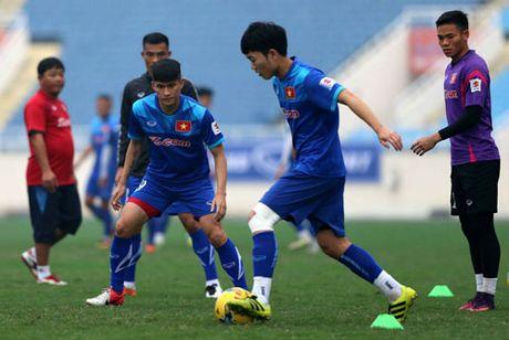 DIEM TIN TOI (1.12): Bao Indonesia vinh danh Cong Vinh va Xuan Truong - Anh 1