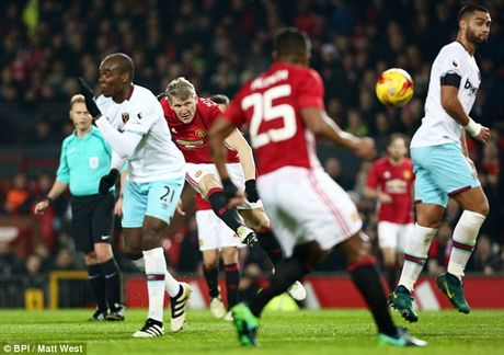 Schweinsteiger tai xuat Quy do, Old Trafford chao don nong am - Anh 12