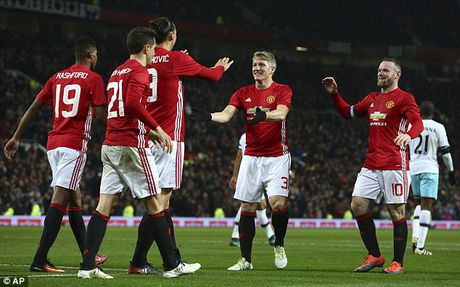 Schweinsteiger tai xuat Quy do, Old Trafford chao don nong am - Anh 13