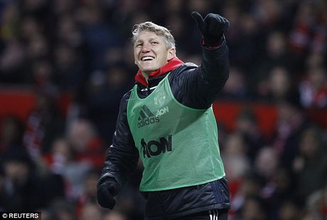 Schweinsteiger tai xuat Quy do, Old Trafford chao don nong am - Anh 5