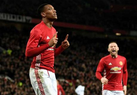 Boc tham ban ket League Cup: Man United tranh mat Liverpool - Anh 1