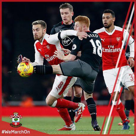 Thua tu hiep mot, cac mang non Arsenal lo hen Ban ket Cup Lien Doan - Anh 1
