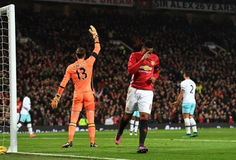 Bi che sut kem, Man Utd 'na' toi 4 ban vao luoi West Ham - Anh 6