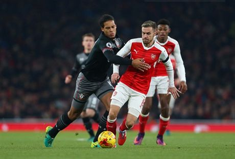 Som mat the tran truoc Southampton, Arsenal cui chao cup Lien Doan - Anh 3