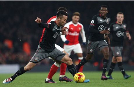 Som mat the tran truoc Southampton, Arsenal cui chao cup Lien Doan - Anh 4