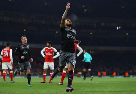 Som mat the tran truoc Southampton, Arsenal cui chao cup Lien Doan - Anh 6