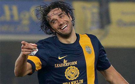 Luca Toni lay chung chi hanh nghe, chuan bi gia nhap FIGC - Anh 1