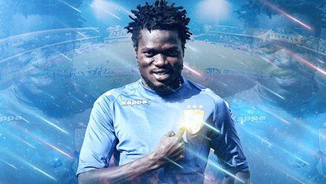 Moses Oloya tro lai V-League nhung khoac ao Ha Noi T&T - Anh 1