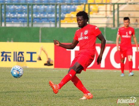 Moses Oloya tro lai V-League nhung khoac ao Ha Noi T&T - Anh 2