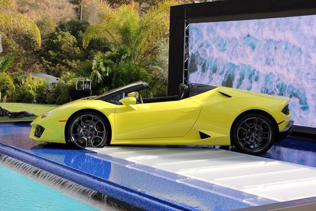 Lamborghini Huracan LP580-2 Spyder chot gia 26 ty tai VN - Anh 4