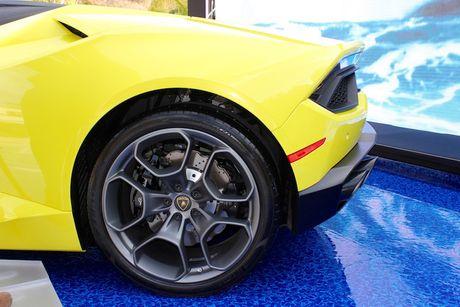 Lamborghini Huracan LP580-2 Spyder chot gia 26 ty tai VN - Anh 7