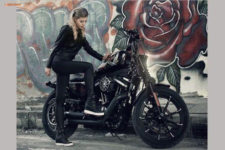 Nu biker Thu Anh sieu nong bong ben Harley-Davidson Iron 883 - Anh 10