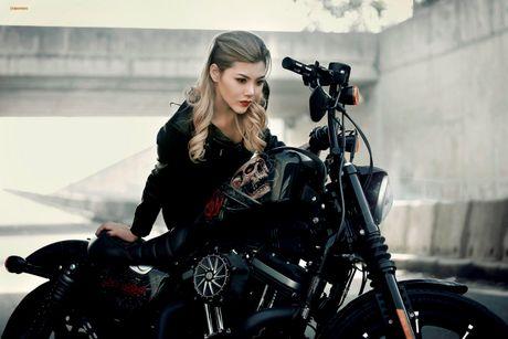 Nu biker Thu Anh sieu nong bong ben Harley-Davidson Iron 883 - Anh 1