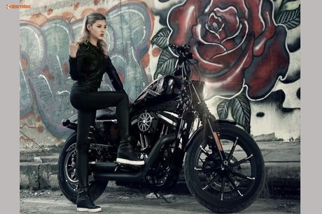 Nu biker Thu Anh sieu nong bong ben Harley-Davidson Iron 883 - Anh 2
